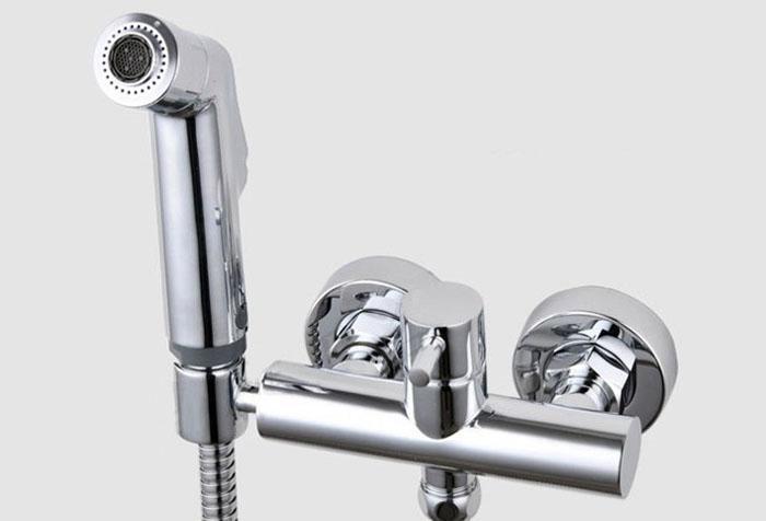 Banho de cobre cromado Bidé bocal pequeno chuveiro pistola de água fria e quente conjunto misto Bidé bidé chuveiro torneira misturador