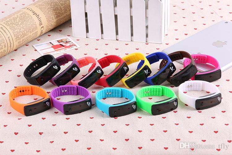 Art- und Weisesport LED Uhr-Süßigkeit-Gelee Mann-Frauen Silikonkautschuk-Touch Screen Digital wasserdichte Uhr-Armband-Spiegel-Armbanduhr DHL