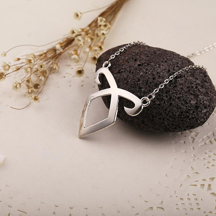 Fashion The Mortal Instruments City of Bones Angelic Power Rune Necklaces Metal Chain Pendant Necklace Silver Plated Jewelry Accessories
