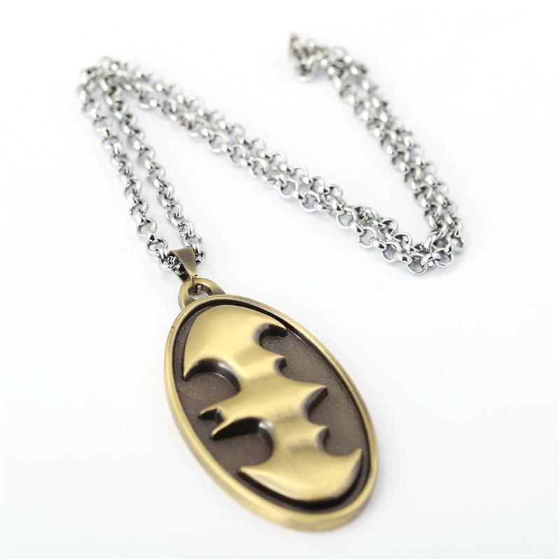 Mix Designs! Superman VS Batman Necklace Exquisite Fashion Alloy Righteous Hero Sign Batman Chariot Pendant Necklace Long Chain Jewelry