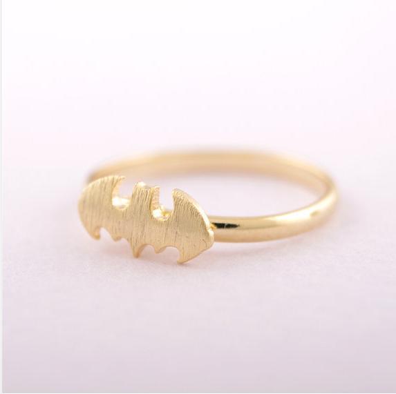 1 stück GoldPinkSilver Edelstahl Batman Ring Mode Stil Coole Bat Frauen Ring Niedlichen Tier Vogel Punk Midi Party Ring