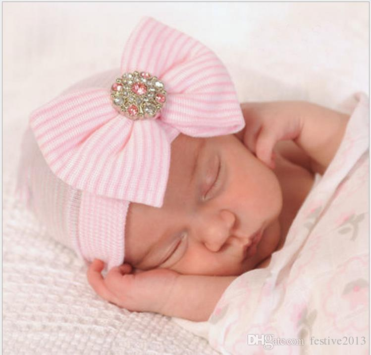 Newborn Baby Cute and Pretty Beanie Hat With Big Bow Baby Infant Girl Soft Warm Hospital Hat Cap for 0-3 Month