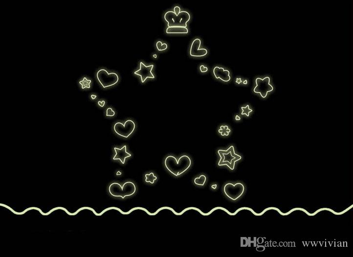 Glue in the Dark Five-pointed Star Crown Love Heart Shape Wall Stickers Luminous Kids Room Wallpaper Poster Bedroom Decoration Creative Star