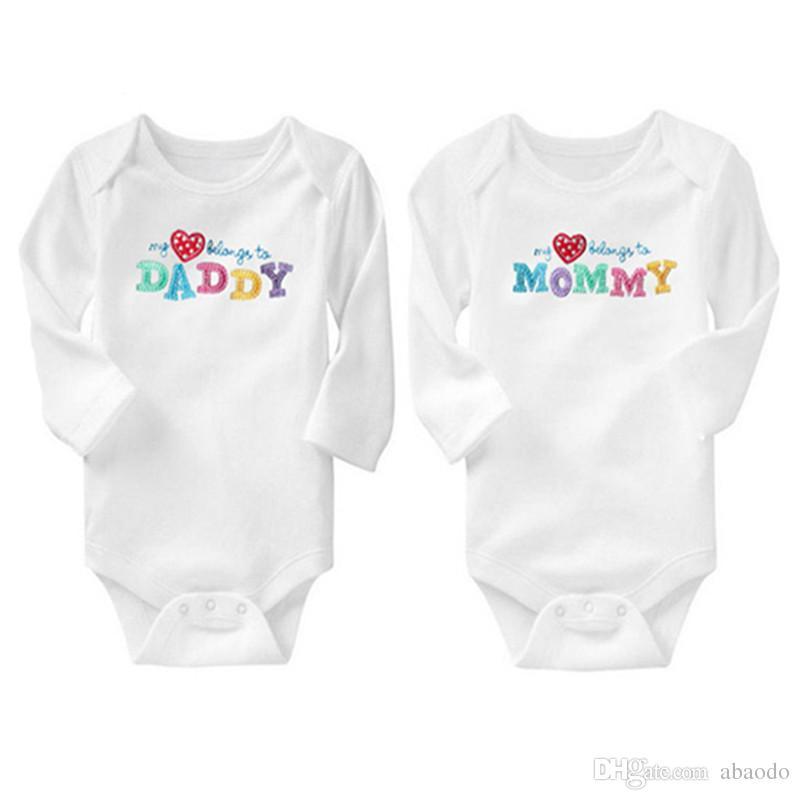 AbaoDo venda quente 100% algodão baby bodysuit eu amo paizinho mamãe macacão de manga longa bebês onesies 2 peça define crianças roupas transporte da gota