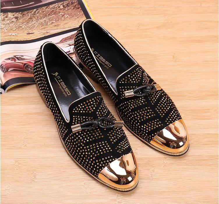 2019 Moda Sapatos Formais Casuais Para Homens Preto de Couro Genuíno de Borla Homens Sapatos de Casamento de Ouro Metálico Mens Studded Loafers tamanho: 38-46