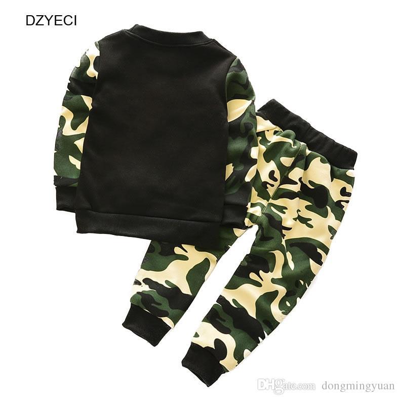 Outono Inverno Terno Do Esporte Para O Bebê Menina Menino Conjunto de Roupas Crianças Coreanas Camuflagem Letra T Shirt + Calça Calça Outfit Kid Tracksuit