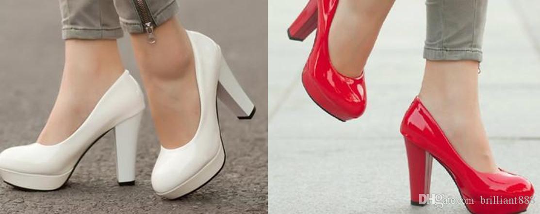 Nuevos zapatos de tacón alto coreanos con zapatos de boda de la princesa delgada ocupación solo zapatos de patente impermeable redondo