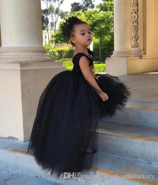 귀여운 검은 색 하이 소호 여자 상대로 옷 입히기 Appiques 솜털 스커트 첫 번째 성찬 가운 맞춤 제작 된 공 가운 꽃 소녀 드레스