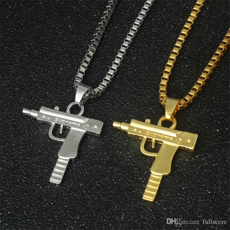 Wholesale MenS Metal Army Gun Rifle Chain Pendant Necklace Men Accessories For Boyfriend Birthday Gift Letter Necklaces Horseshoe