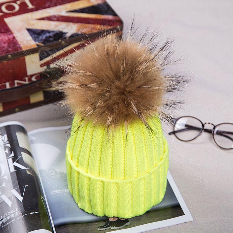 Bonnet de chapeau / crâne noir / rouge / rouge tricoté avec chapeau à pom pom, chaud fourrure