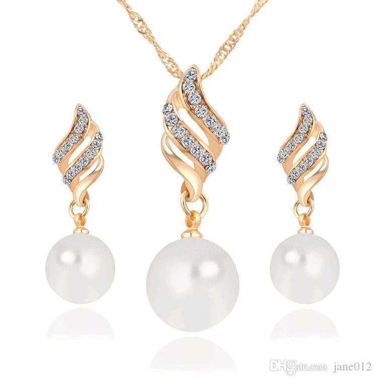 Set di gioielli di perle intelligenti all'ingrosso il partito Orecchini di collana coreane di vendita calda le damigelle Prezzo poco costoso