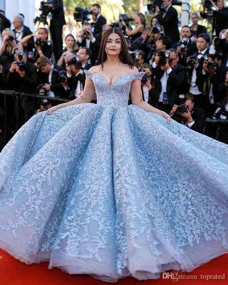 Céu Azul Novo Design de Cristal 2019 vestido de Baile Celebridade Vestidos de Baile Off-Ombro Off-Ombro do Assoalho-comprimento Rendas Apliques vestido desgaste da noite
