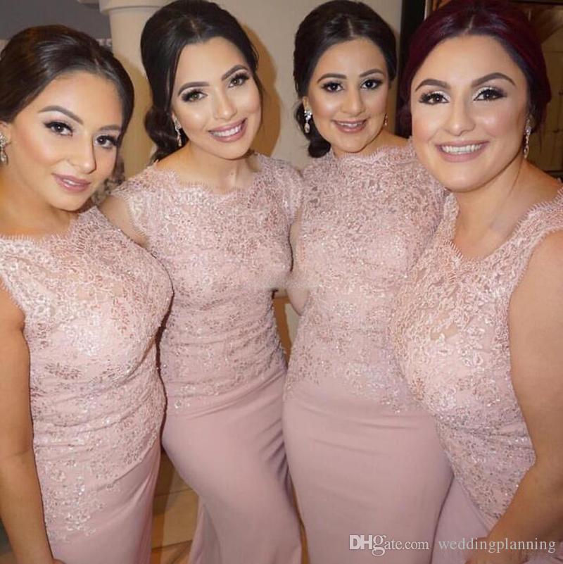 Blush Pink Vestidos de dama de honor de tallas de la vendimia sirena de encaje cubierto sin mangas de satén 2017 Invitaciones de boda formal vestidos de noche del desgaste