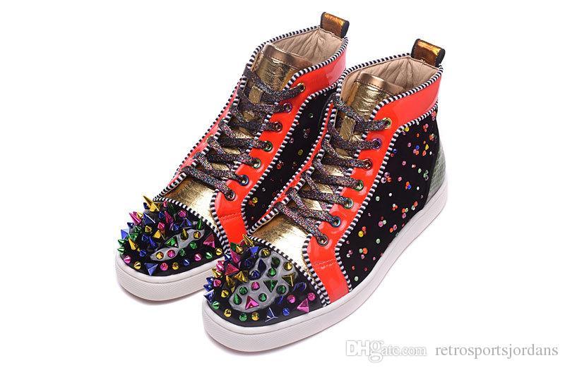 Tênis de fundo vermelho Multi cor Rhinestone Designer de luxo de couro de patente High cut Sneakers coloridos Spikes Mens Womens Casual Shoes