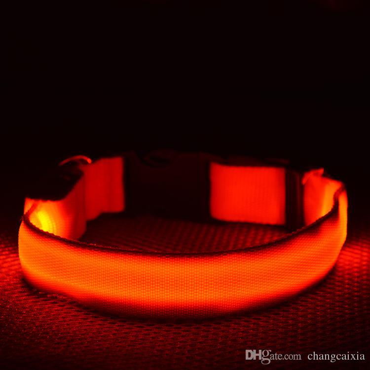 8 색 4Sizes 밤 안전 LED 빛 번쩍이는 발광 나일론 애완 동물 개 목걸이 작은 중간 개 애완 동물 가죽 끈 개 목걸이 안전 번쩍이는 고리