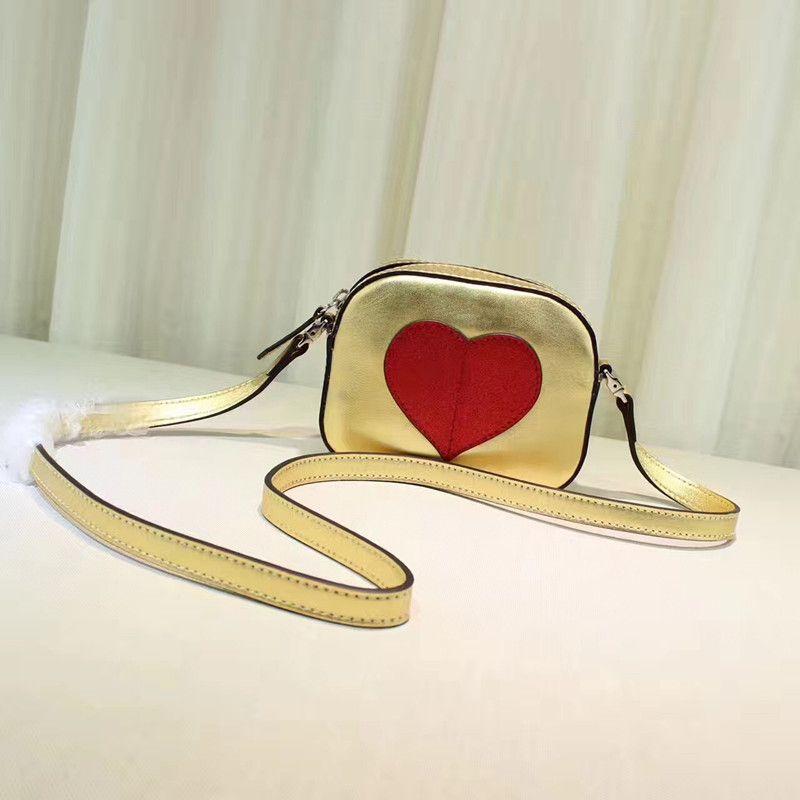 Ücretsiz kargo 2017 yeni Messenger Çanta Omuz Çantası Mini moda Fermuar, kalp şeklinde packbag kadınlar yıldız favori mükemmel mini paketi