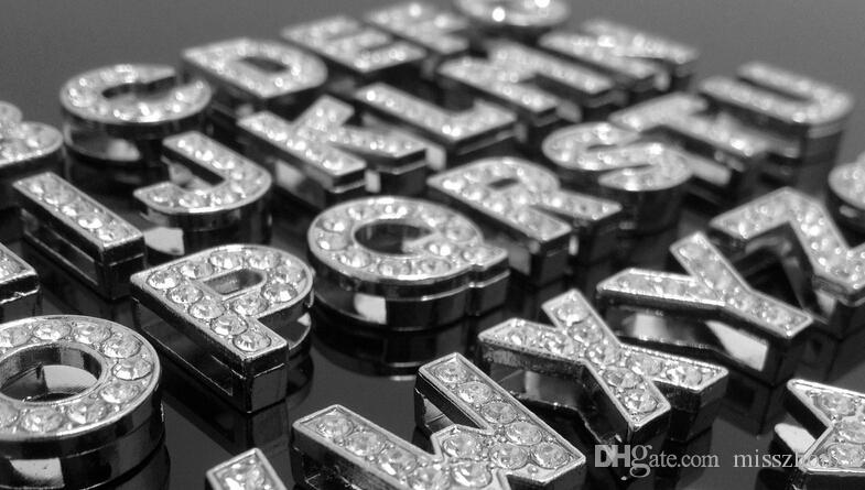 Alta calidad 1300 unids 8 mm A-Z Full Rhinestone Slide letras encanto diy accesorios encajan collar para mascotas