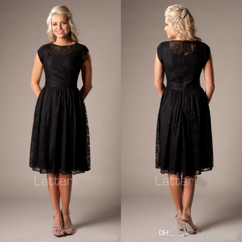 Vintage Black Lace Short Modest Bridesmaid Dresses With