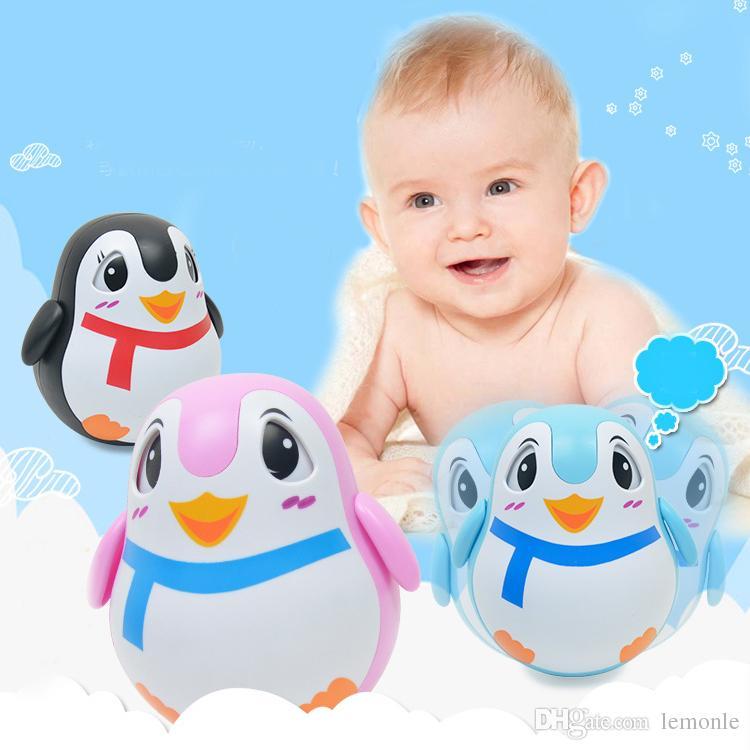 0-3 anos bebê chocalho sino brinquedo pinguim animais tumbler som presente