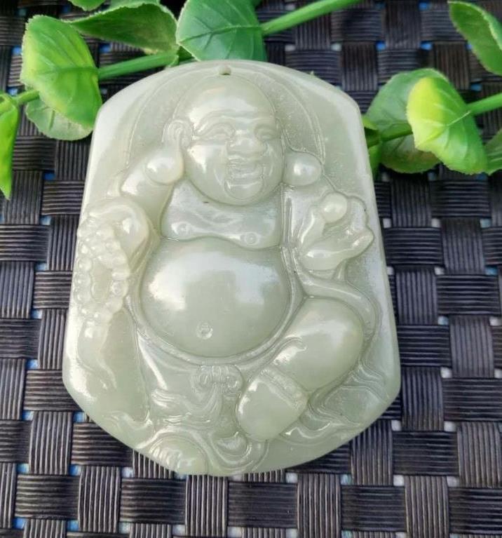 Natürliche und Tian Yu Persönlichkeit unabhängige Design grüne Jade Maitreya Buddha Anhänger weiblichen kostenlosen Geschenk Lanyard