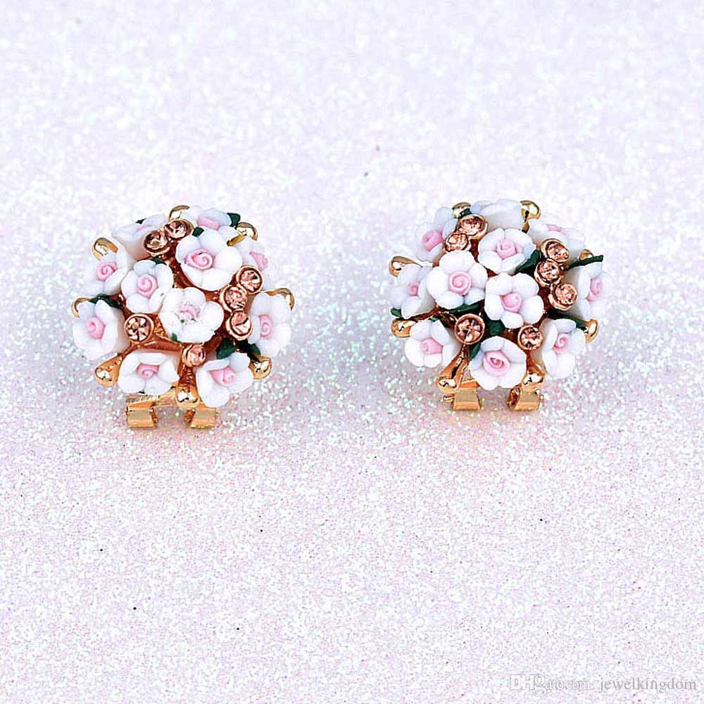 Gold Cute stud earrings