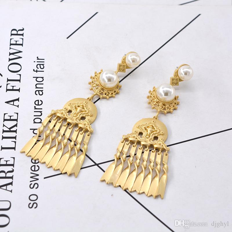 2018 Fashion Vintage Hollow Out Metal Simulated Pearl Jewelry Royal Metal Long Tassel Earrings Pendients For Elegant Women Brincos