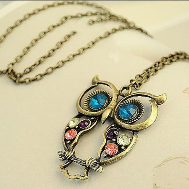 WholesaleNew Vintage Retro Hollow Carved Owl Necklace Crystal