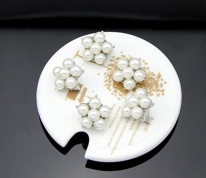 Pearl Brooch Flower Bouquet Wedding Brooches Pins Badge for Women Men Christmas Fashion Jewelry Gift Drop Shipping