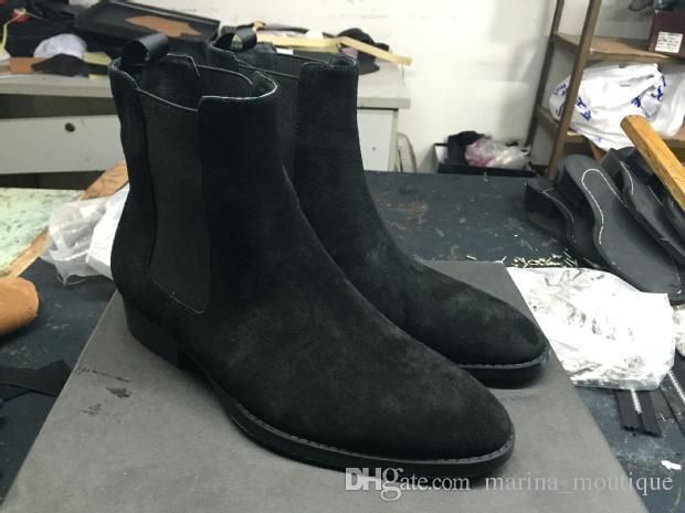 2019 كلاسيك وايت أحذية الكاحل النمط الغربي جلدية سوداء دراجة نارية أحذية الرجال السادة خريف شتاء