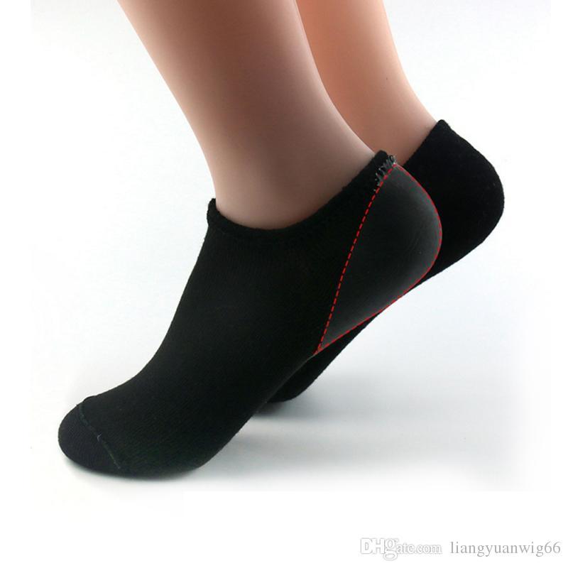 e de chaussettes de réparation hydratantes et adoucissantes craquelées pour les pieds au sec