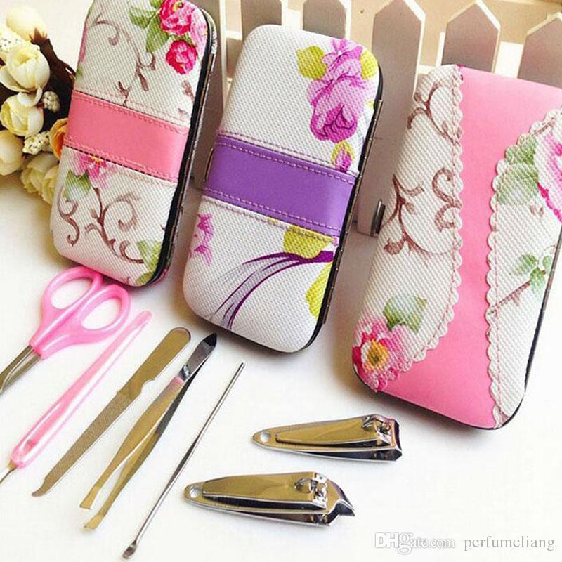 7 in 1 Rattan Flower Nail Clipper Clipper Scissor Kit Donna Pedicure Manicure Set Bomboniere Regali ZA4444
