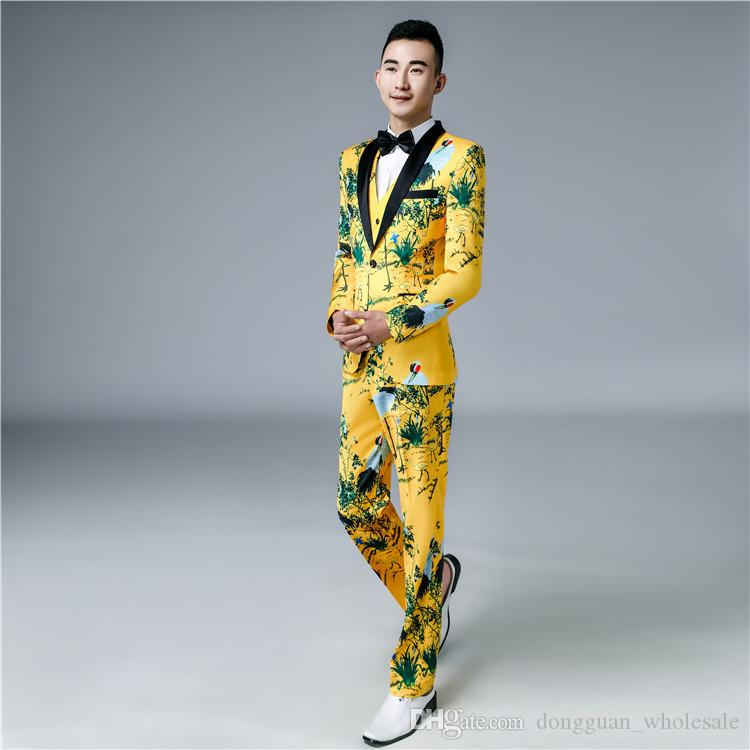 Jaquetas + Calças + Coletes Ternos de Luxo dos homens Noivo Groomsman Vestido de Negócios Terno Calças de Casamento Dos Homens de Verão Slim Fit Mens Prom Ternos Amarelos 2018
