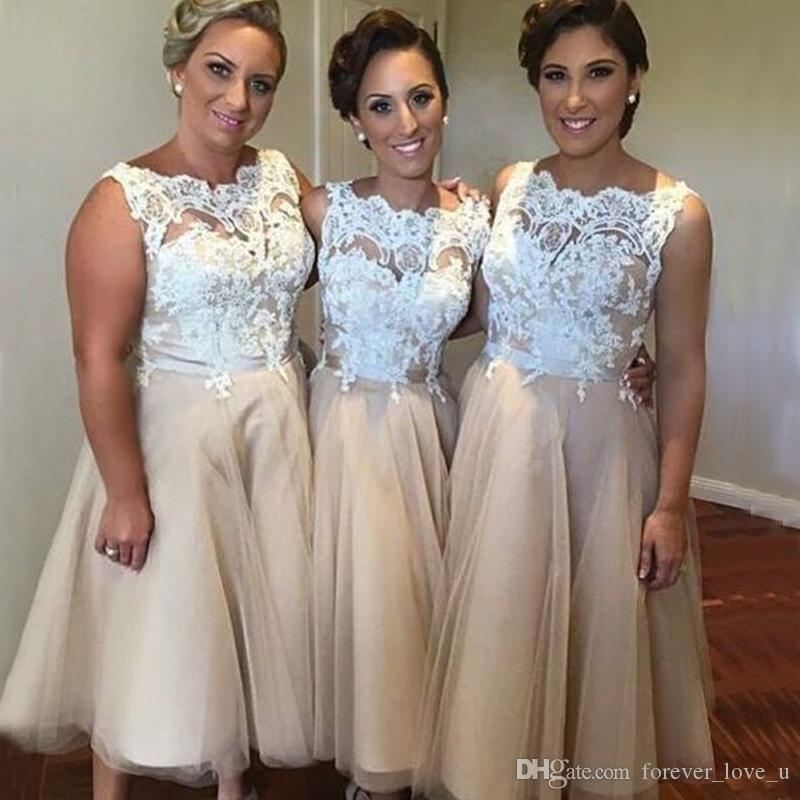 Gorgeous Plus Size Bridesmaid Dresses Under Knee Length Ivory Lace  Appliques Champagne Tulle Sleeveless Maid of Honor Gowns for Wedding