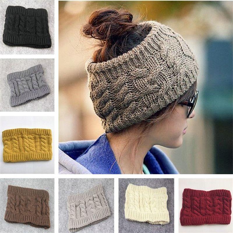 Compre Winter Messy Bun Hat Mulheres Tricotadas Beanies Beanie Moda Ampla  Headband Crochet Headband Mulher Bonés Mulheres Ladies Caps Adultos Bonés  Natal De ... 49ab608eb20