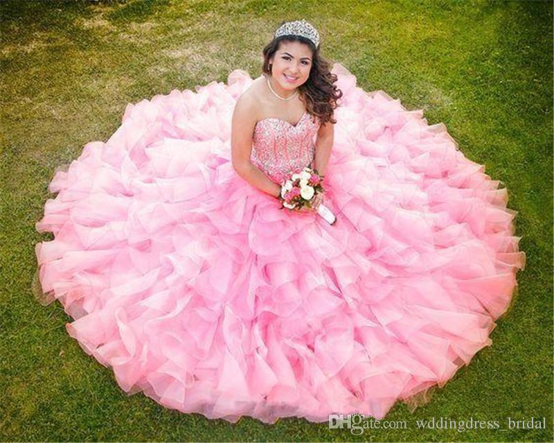 2019 New Blush Pink Sweet 16 Abiti Quinceanera Ball Gown Principessa Abiti da sera con perline cristalli Ruffles gonna formale abito da sera Wear