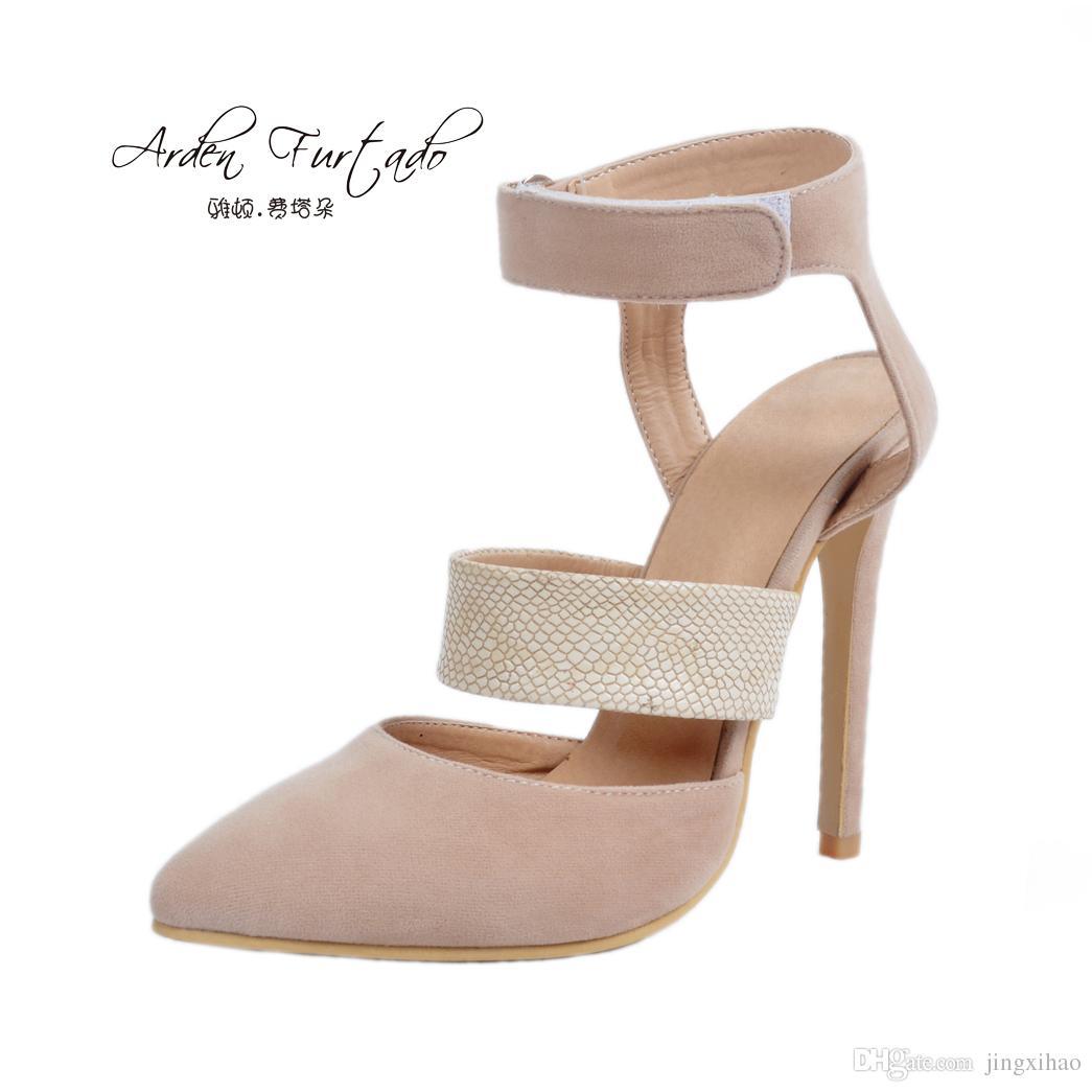 Acquista 2017 Scarpe Estive Donna Cinturino Alla Caviglia Tacchi Altissimi Sandali  Sexy In Camoscio Beige Scarpe Donna Taglia 14 15 Stiletto Party A  41.71 ... 23720e0287f