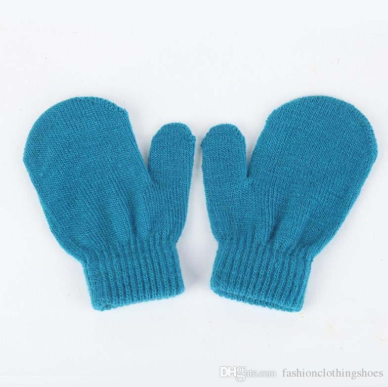Hiver nouveau bébé plein doigt gants 5 types de gant de couleur à tricoter chaud doux gants pour garçons et filles enfants Winte gants en gros