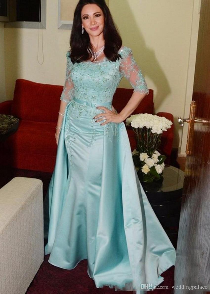 Bleu clair Mère de la mariée Robes encolure dégagée Demi-manche Dentelle Perlée Longueur au sol Satin Sirène Robes de Mère Robes de mariée