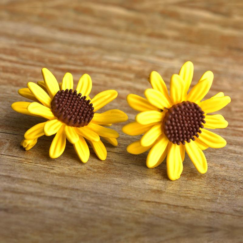 Funmor Yellow Sunflower Warm Icon Brooches Pin For Women Cute Enamel Jewelry Broche Kids Lovely Backpack Pendant Cardigan Clips
