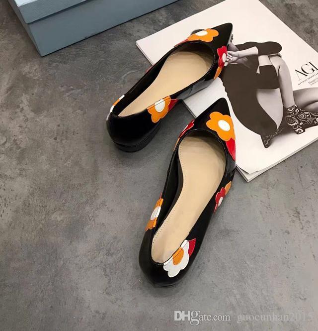 Красочные цветок платье свадьба обувь женщины котенок пятки лакированная кожа острым носом мода дамы насосы весна лето T показать обувь