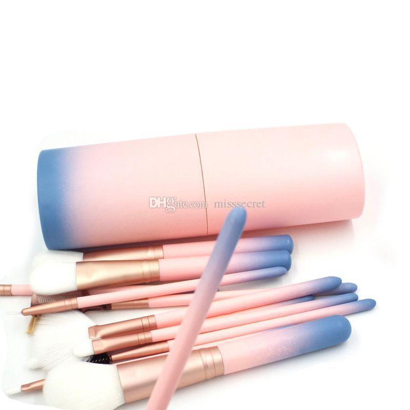 Pinceles de maquillaje de color rosa para la base de maquillaje en polvo Eyeliner Lip Highlighter Cosmetic Brush Tools maquillaje Set de cepillo con la caja de plástico