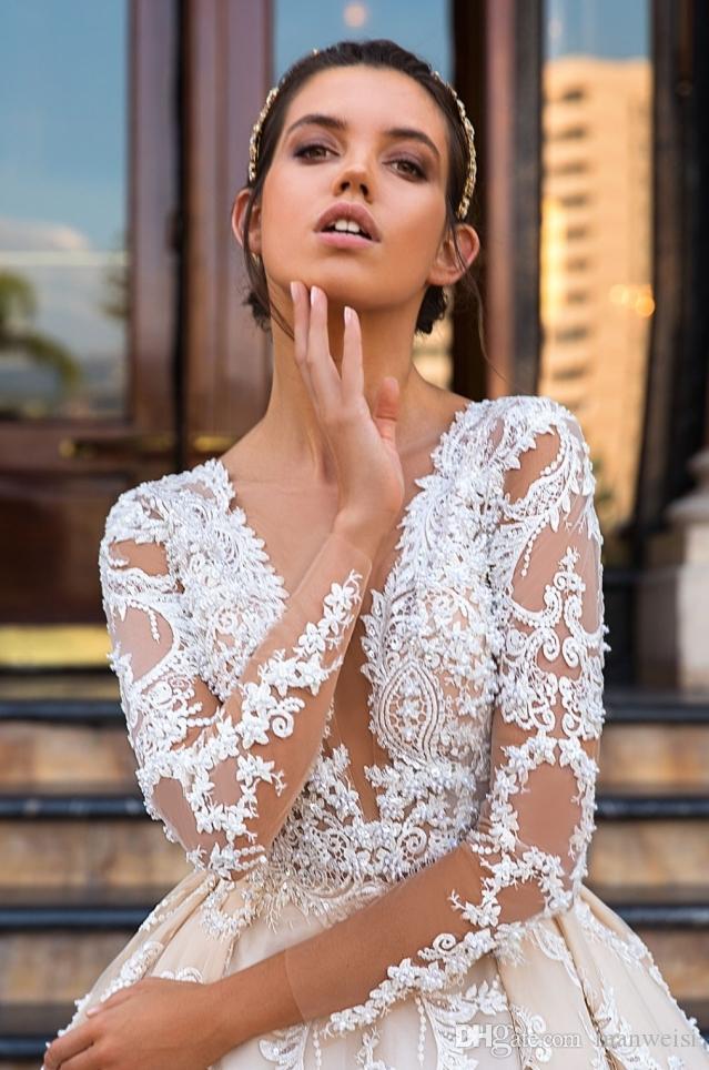 3b885b50223 Роскошные свадебные платья с длинным рукавом погружаясь декольте Applique  шнурка