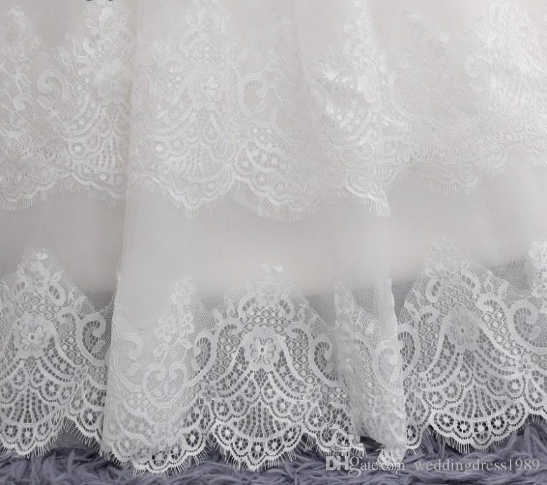 A menina de flor veste o comprimento do assoalho de Vestidos De Primera do laço com os vestidos da representação histórica de Comunion da curva para meninas