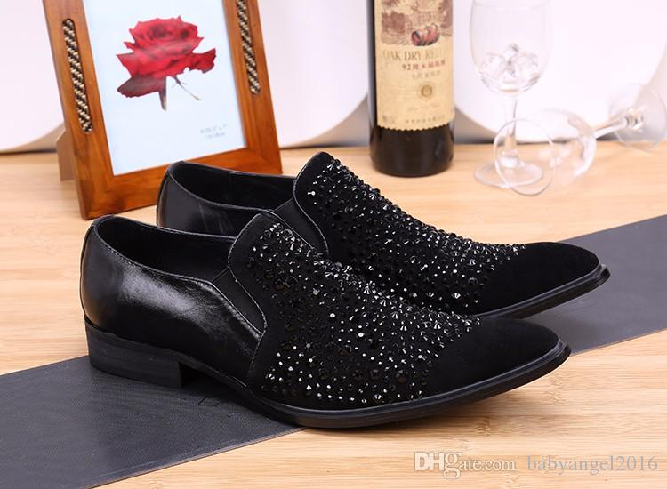 Bout pointu de la mode hommes habillés chaussures habillées en cuir véritable chaussures hommes en cristal robe de soirée d'affaires mocassins pour hommes Slip on Flats