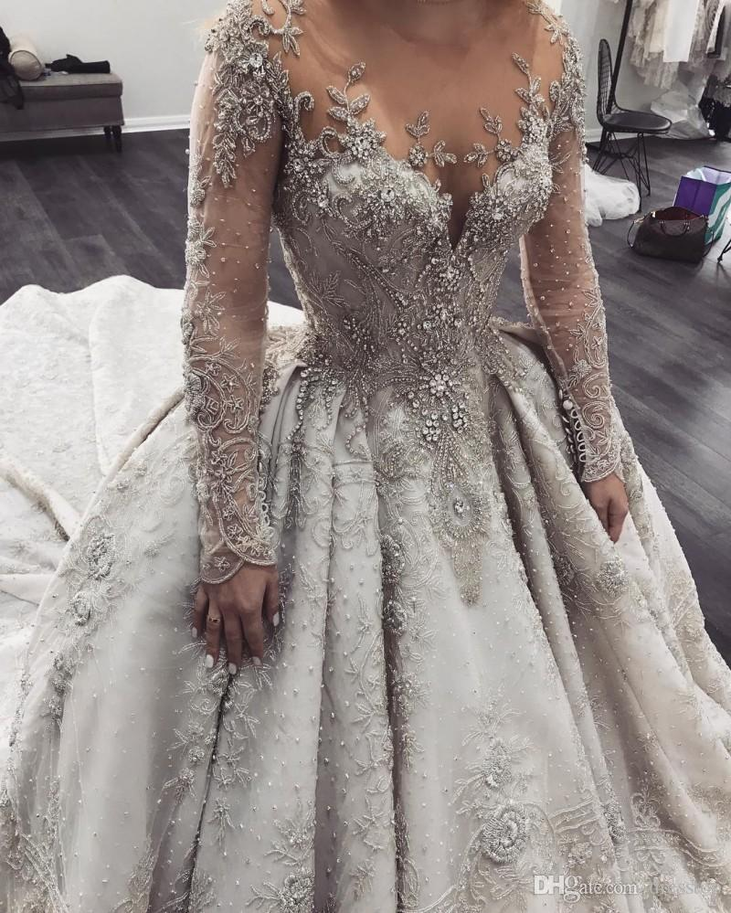 Robes de mariée de luxe robe de bal en dentelle perles appliques manches longues balayage train robes de mariée grande taille