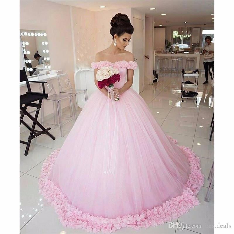 Incredibile abito da ballo Fiori Abiti da sposa rosa 2017 Collo a barca Lungo cappella Treno Abito da sposa in tulle Vestido De Noiva