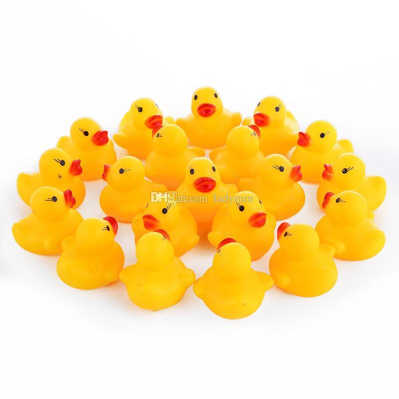 4000 قطعة / الوحدة حمام الطفل لعبة المياه اللعب الأصوات البسيطة الأصفر المطاط البط الاطفال يستحم الأطفال السباحة هدايا الشاطئ