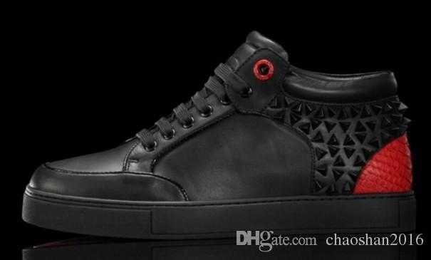 Nuevos zapatos de los hombres del estilo Los zapatos famosos del hombre de los royaums de la marca rematan los zapatos decorativos del remache del metal tamaño grande eu36-47