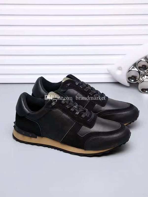 2018 vendita calda di alta qualità camouflage all black shoe uomo casual donna sneaker nuovo arrivo di colore misto rivetti paio economici sneaker all'aperto
