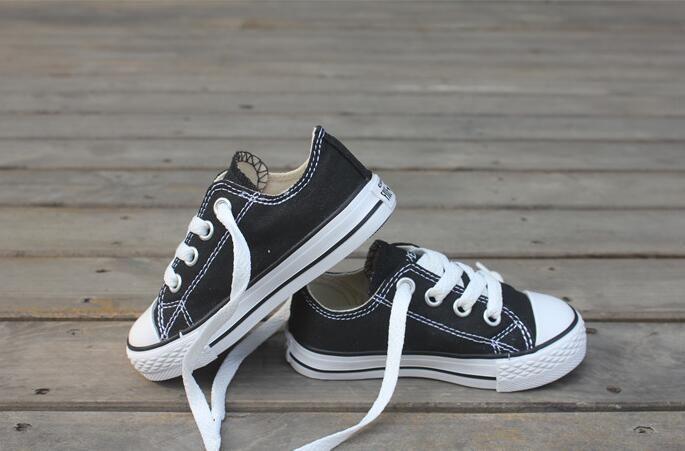 حجم 23-34 صور حقيقية ارتفاع منخفض أطفال الأطفال أحذية رياضية بنين بنات أحذية الأطفال قماش أحذية الأطفال عارضة الأحذية